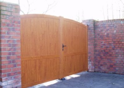 Double Executive Gate Golden Oak