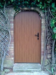 Single Stretton Arch with Golden Oak Foil Small